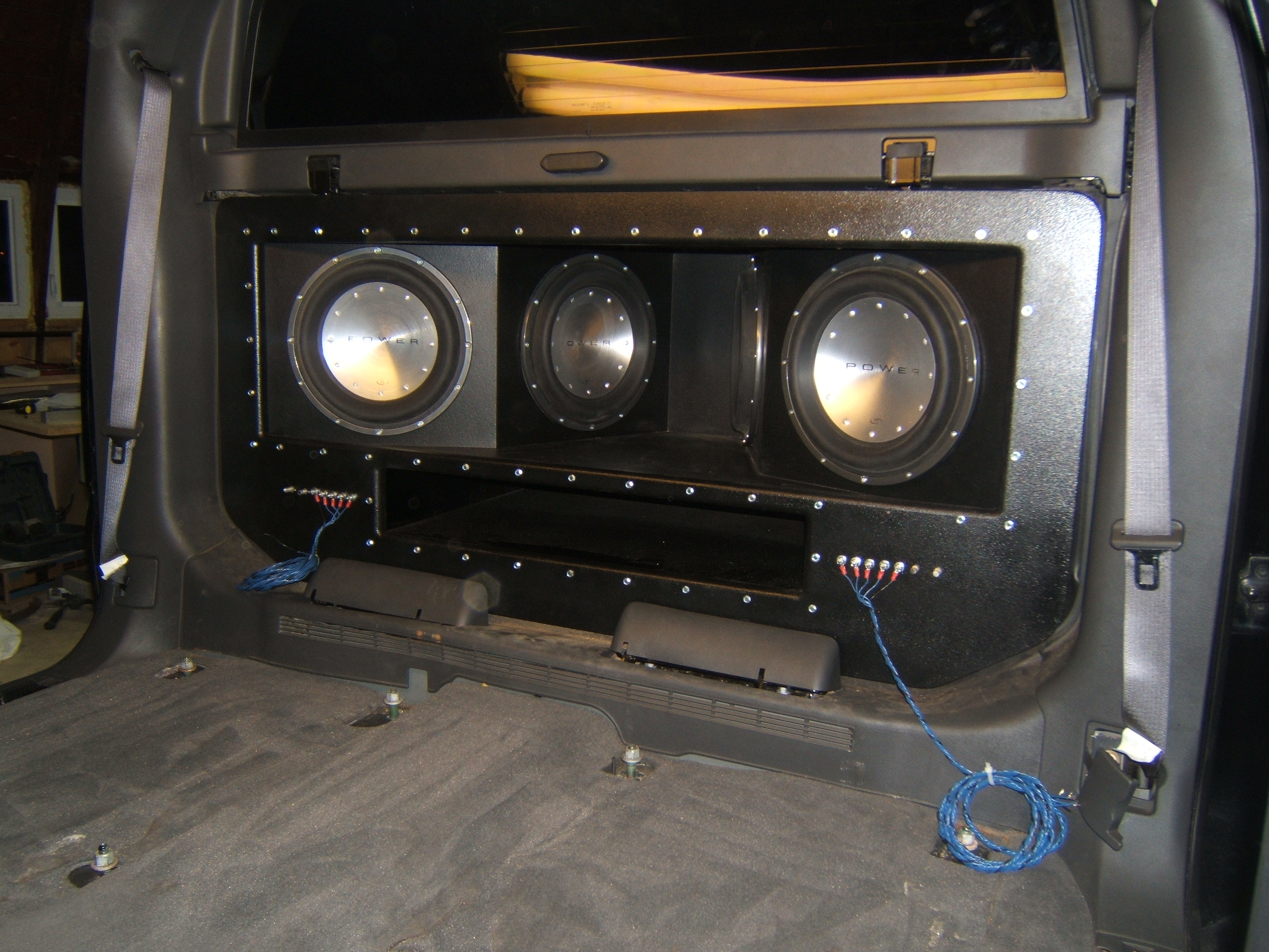 Asc package chevy silverado 07 12 extended cab truck dual 12 additionally besides moreover also q chevy avalanche subwoofers boxes